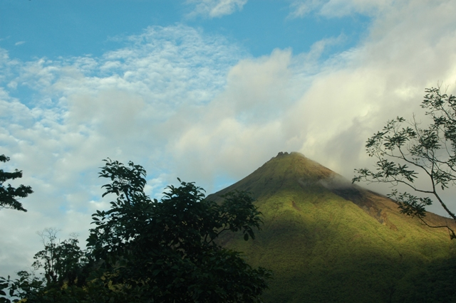Costa Rica, Volcano Arenal5.jpg
