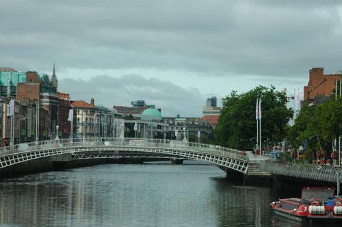 Dublin-Hapenny-Bridge.jpg